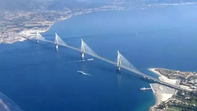助力克罗地亚建跨海大桥 中集物流挑战128米超长管桩远途运输图片